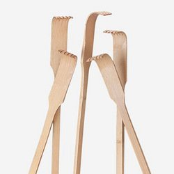 Happy Deals – Wooden Back Scratchers